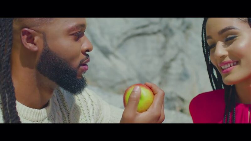 "Flavour – ""Omo T'emi"" (Official Video)"